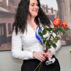 Kateřina Kolaříková s pohárem pro druhou nejlepší jniorskou střelkyni