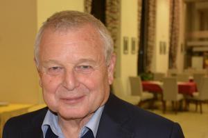 Profesor Jaroslav Pollert obdržel státní vyznamenání od prezidenta Miloše Zemana