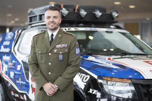 Lukáš Kvapil jako první závodník absolvuje Rallye Dakar po loňské jízdě na motocyklu nyní v autě