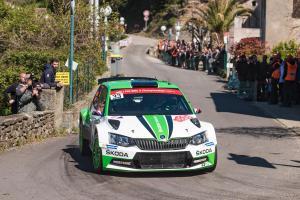 Z Korsické rally si veze  Škoda Andrease Mikkelsena jasné vítězství