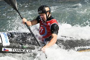 Vodní slalomář a mistr světa Ondřej Tunka Silvestra prožil v oblacích letem na Nový Zéland