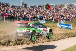 Vozy značky Škoda se na Rally de Portugal v kategorii WRC2 neztratily