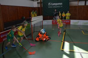 Při finále Sportovní ligy ve florbalu budou mít žáci z pořadatelské školy volno